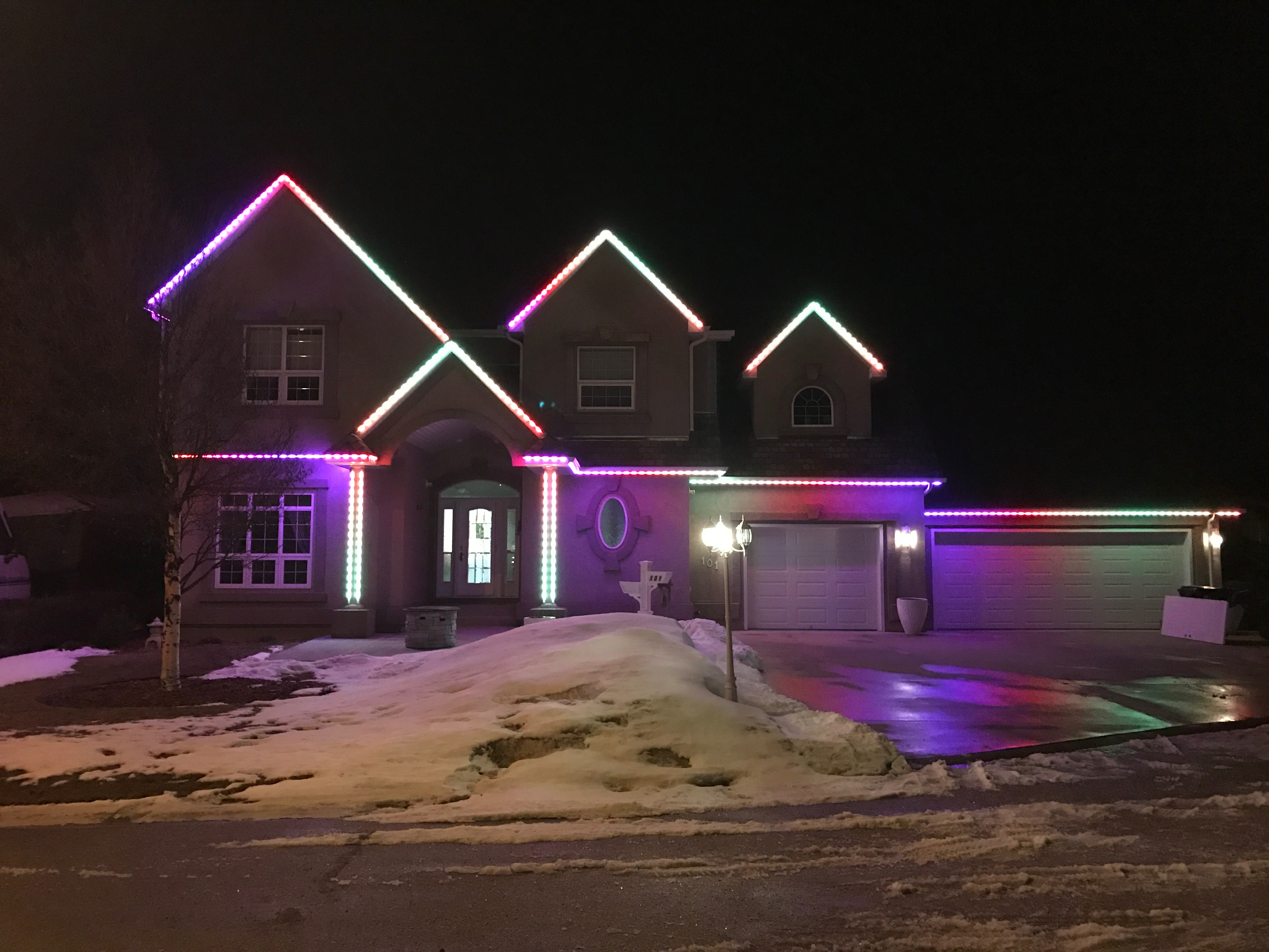Permanent Outdoor LED Strip Christmas Lighting Up Toronto Homes With  Convenience Permanentoutdoorledstripchristmaslightingtoronto.com