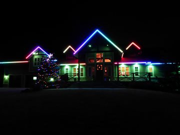 Year-Round Outdoor Christmas Lights Put Safety First year roundoutdoorchristmaslights.ca (1)